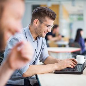 In 4 Schritten die richtige Projektmanagementsoftware finden: Ein Leitfaden zur Auswahl und Einführung von PM-Tools