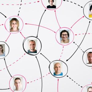 IAPM Social Media Plattformen: mehr Information und Austausch